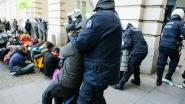 Students For Climate en Gele Hesjes betogen samen tegen politiegeweld