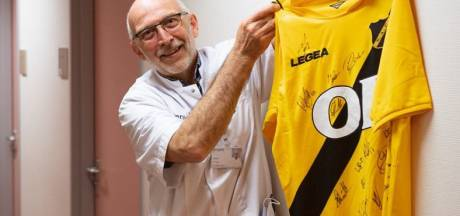 Gestolen NAC-shirt vervangen: spelers verrassen orthopeed van Amphia