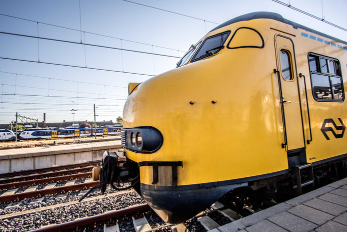 De Mat'64 bij station Maastricht.