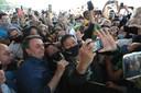 President Bolsonaro op de foto met supporters, 27 augustus 2020.