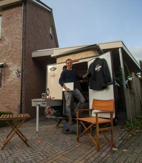 Thuiswerken vanuit een caravan: 'Ik heb nu zelfs een koelkast en een gaspitje'