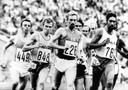 Haico Scharn (links, nr 449) op de 1500 meter bij de Olympische Spelen van München in 1972. Hij werd 7de in de halve finale.