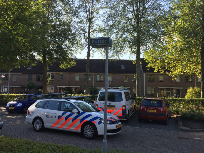 Politie aan de Putter in Etten-Leur.