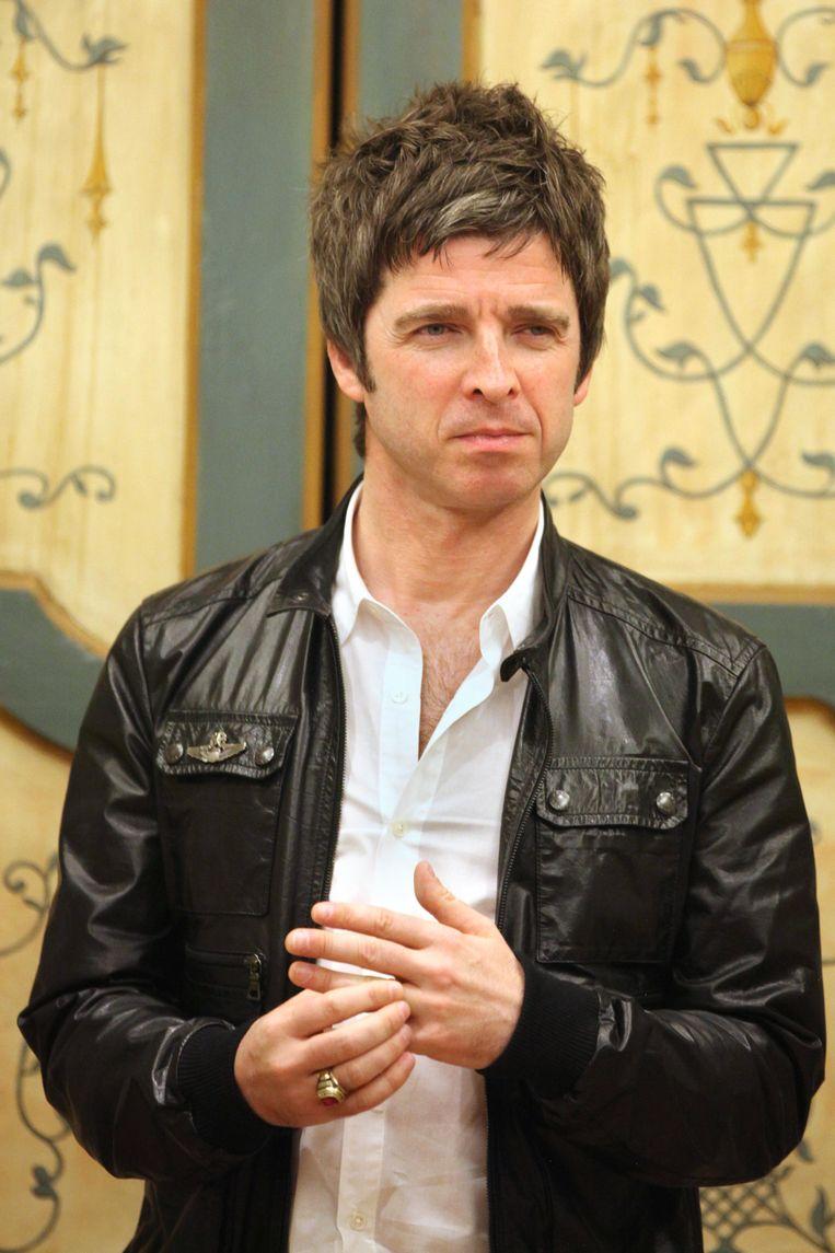 Noel Gallagher speelt met zijn High Flying Birds het voorprogramma van U2 tijdens hun 'The Joshua Tree Tour'.