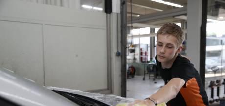 No Guts no Glory schonk Sharon Theuws haar laatste festival; zoon Jack (16) poetste als wederdienst twee weken lang auto's