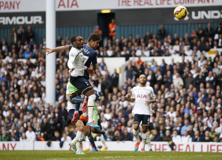 Net als Adebayor scoorde Ayoze met het hoofd. Beeld PHOTO_NEWS