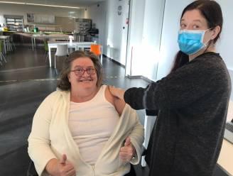 """Vaccinaties in centra voor volwassenen met een beperking UNIE-K gestart: """"Dit geeft ons weer hoop"""""""