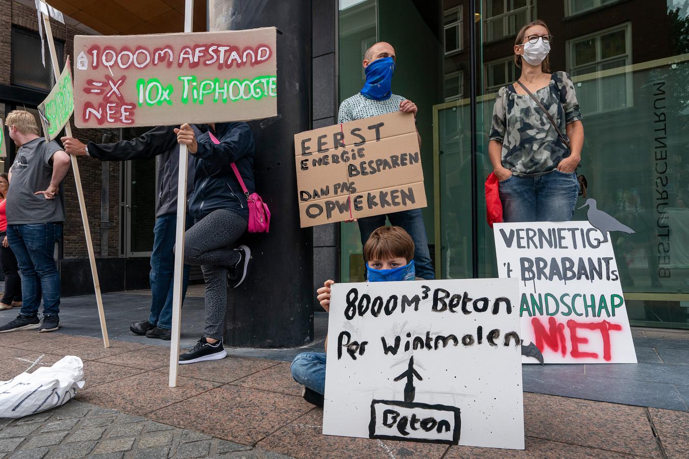 archieffoto: Protest tegen windmolens voor het stadskantoor Den Bosch