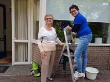 Klusjesfestijn in Haaren: 'Mensen samen brengen belangrijker dan schone ramen'