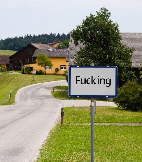 Oostenrijks dorp is grappen en diefstal plaatsnaamborden zat en wijzigt naam