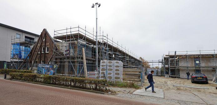 In Schijndel zijn weer enkele bouwactiviteiten te bespeuren, zoals aan de Pastoor van Erpstraat. Maar met het oog op de bevolkinsgroei is het nog veel te weinig.