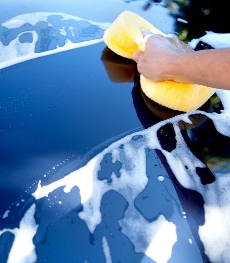 Verwen je auto met een superpoetsbeurt: zo pak je dat aan