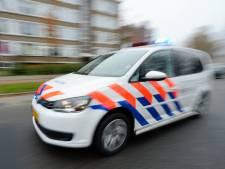 Agent bij rellen in Venlo gewond door steen door de ruit van politiewagen