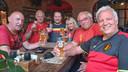 Supporters Rode Duivels in Sint-Petersburg: Michael Vandersteen (grijs T-shirt in het midden), Sonja en Peter Wynants (uiterst rechts).