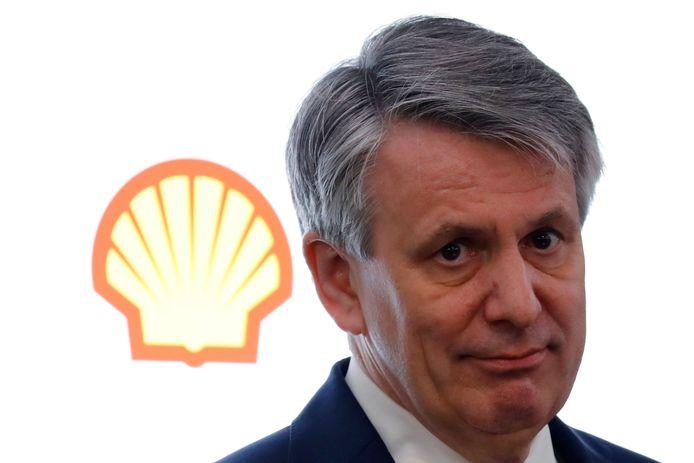 Ben van Beurden, ceo van Shell, sluit een vertrek van het hoofdkantoor van de multinational uit Nederland niet langer uit.