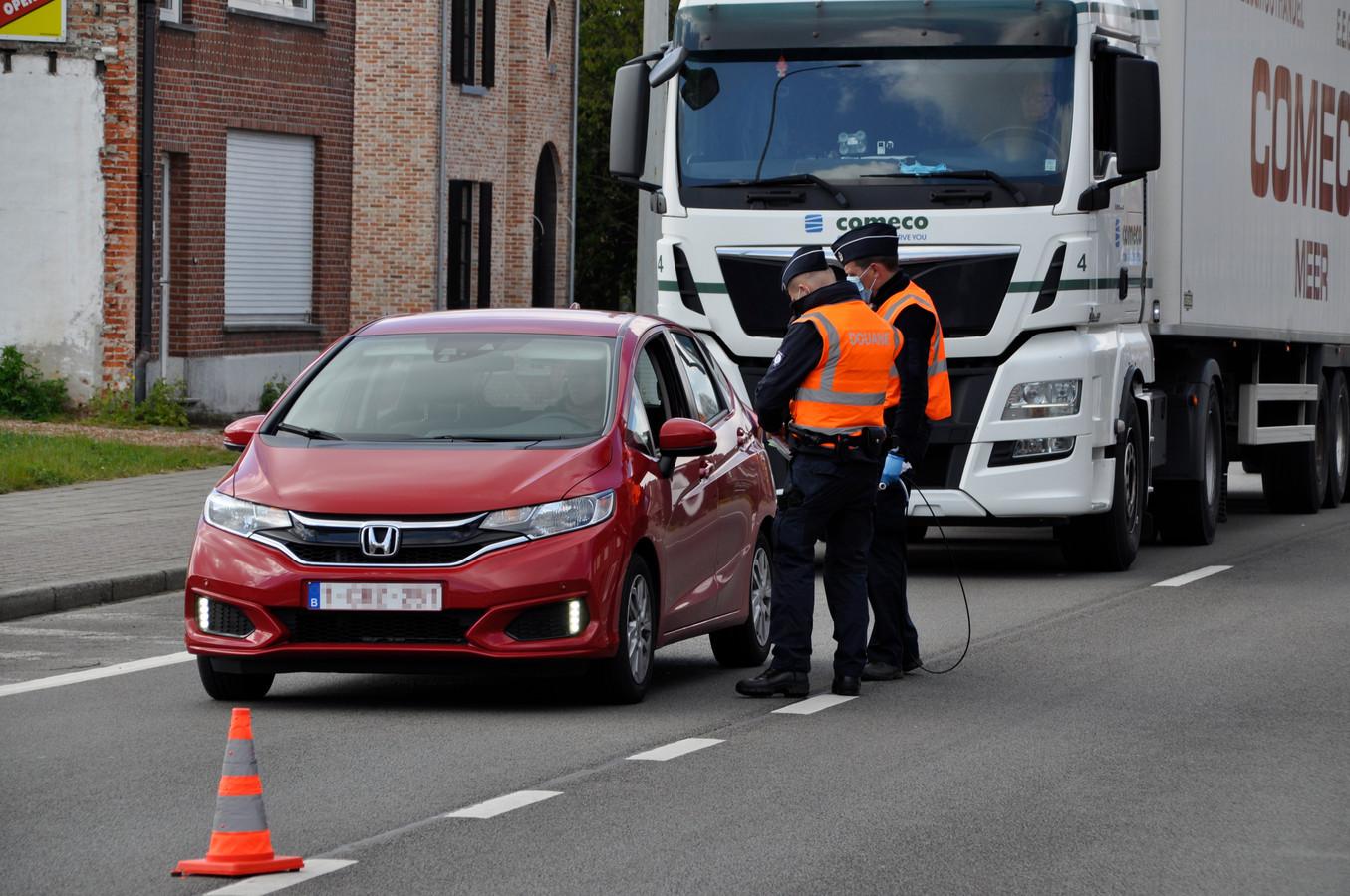 Contrôle à la frontière belgo-néerlandaise ce vendredi à Wuustwezel.