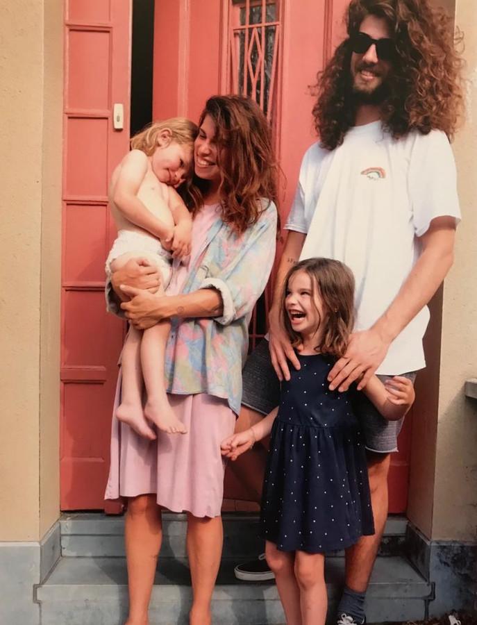 Harry en Jerina met hun kindjes Fidel en Onno.