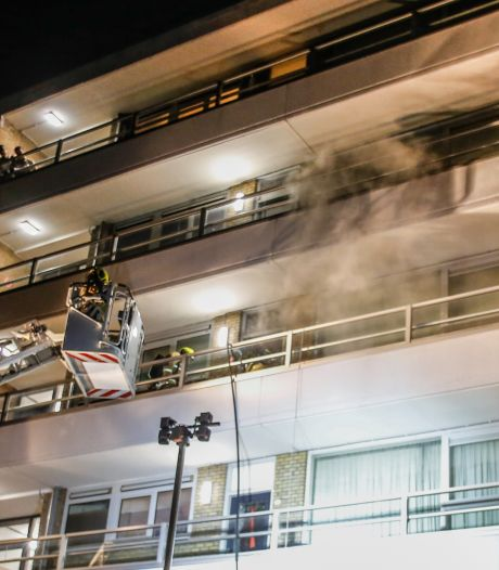 Honderden bewoners van Zwijndrechtse flat hebben geluk gehad na brand: 'Niet veel nodig voor flatramp'