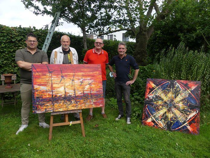 Koen Van Vynckt, André Bollaert, Dirk De Meester en kunstenaar Didier Decaluwé, die zijn werken toont op zondag 8 augustus.