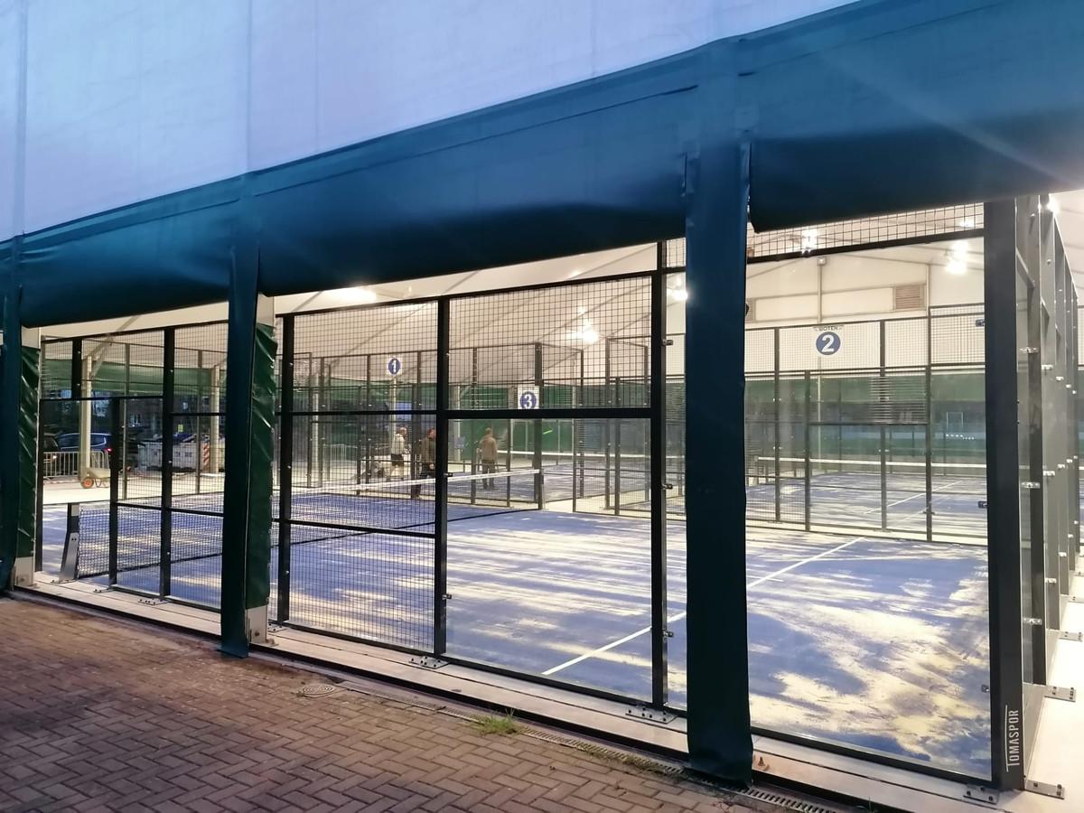 Bij tennisclub Woten kan er voortaan op drie overdekte terreinen padel gespeeld worden.
