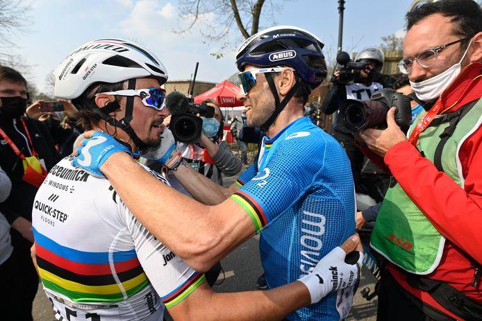Valverde feliciteerde z'n troonopvolger na de aankomst.
