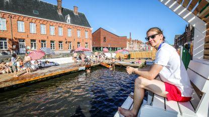 """Zwemmen in de Brugse reien mag weer deze zomer, al zijn er extra regeltjes: """"Badkledij aan bij aankomst"""""""
