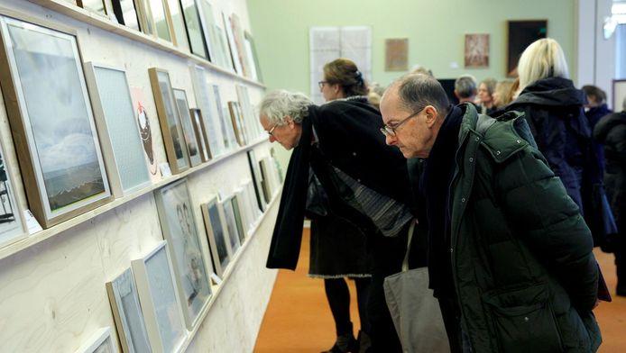 Art Rotterdam heeft óók een koopjeshoek: We Like Art!, heet die: een galerie vol werken tussen de 95 en 2.000 euro.