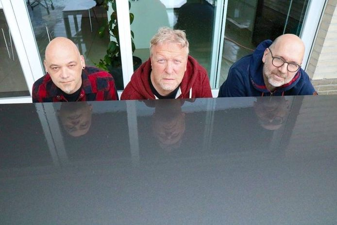 Steve Buxus en De Motten, dat zijn Sam Claeys, Peter Slabbynck en Vincent Pierins.