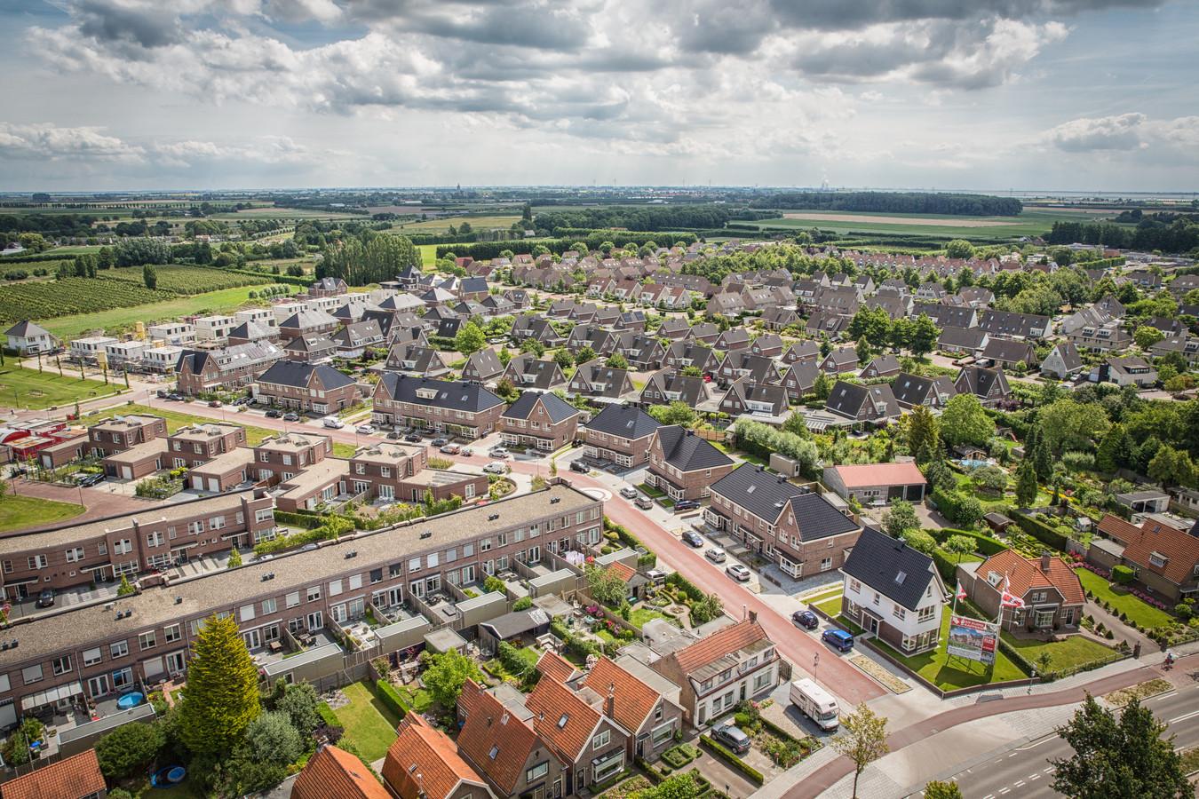 De nieuwbouwwijk Riethoek, gezien vanaf de Goese watertoren.