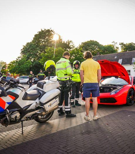 Tientallen bestuurders gecontroleerd bij politiecontrole in de wijk Woensel in Eindhoven
