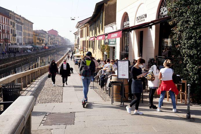 Een zonnige lentedag in Milaan.