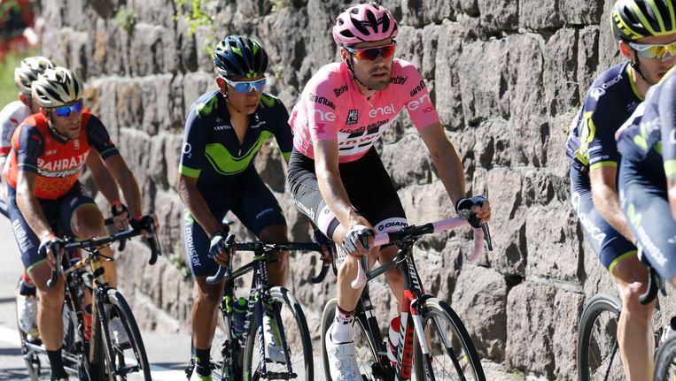 Dumoulin met Quintana en Nibali in zijn wiel. Beeld BELGA