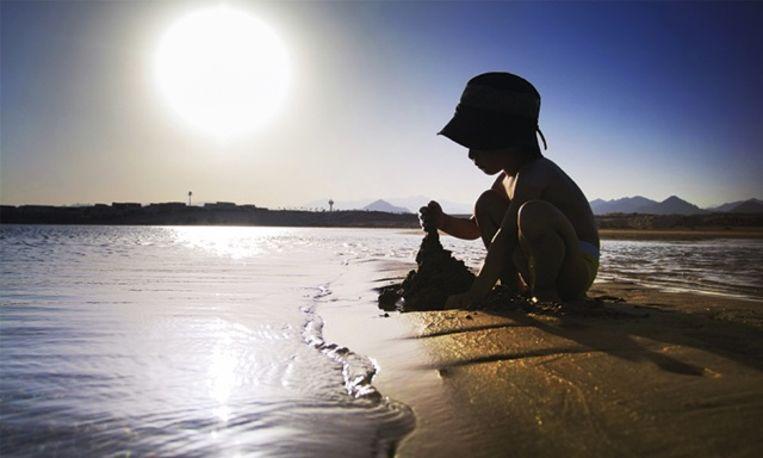 Onderzoek wijst uit: strand is smeriger dan zee