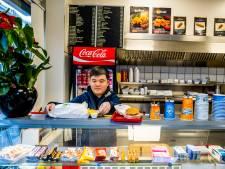 Snackbar baalt van nep-bestellingen: zakken vol friet en kroketten verdwijnen in de prullenbak