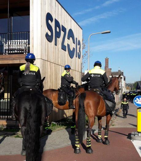 Demonstratie anti-Zwarte Piet na uur gestaakt, 48 voorstanders Piet aangehouden in Tilburg