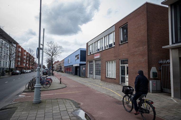 Zeeburgerdijk 269, één van de locaties waar de gemeente ongedocumenteerden onder gaat brengen. Beeld Rink Hof