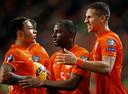 Jetro Willems  (midden), de jongste debutant in Oranje, namens PSV.