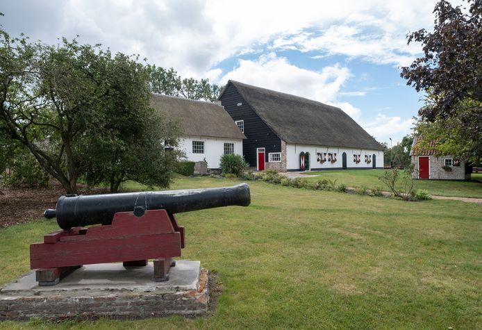 Hof Slikkenburg bij Kleverskerke is aangewezen als gemeentelijk monument.