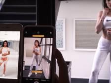 Anna Nooshin herhaalt omstreden zoenfoto met 'mooiste vrouw' Nochtli