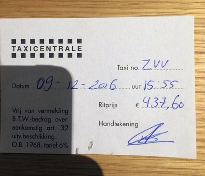 Op 9 december nam een relatie van beleggingsbank Robeco een taxi van luchthaven Schiphol naar het Weena in Rotterdam. Hij moest bijna 450 euro aftikken, ruim drie keer het normale tarief.