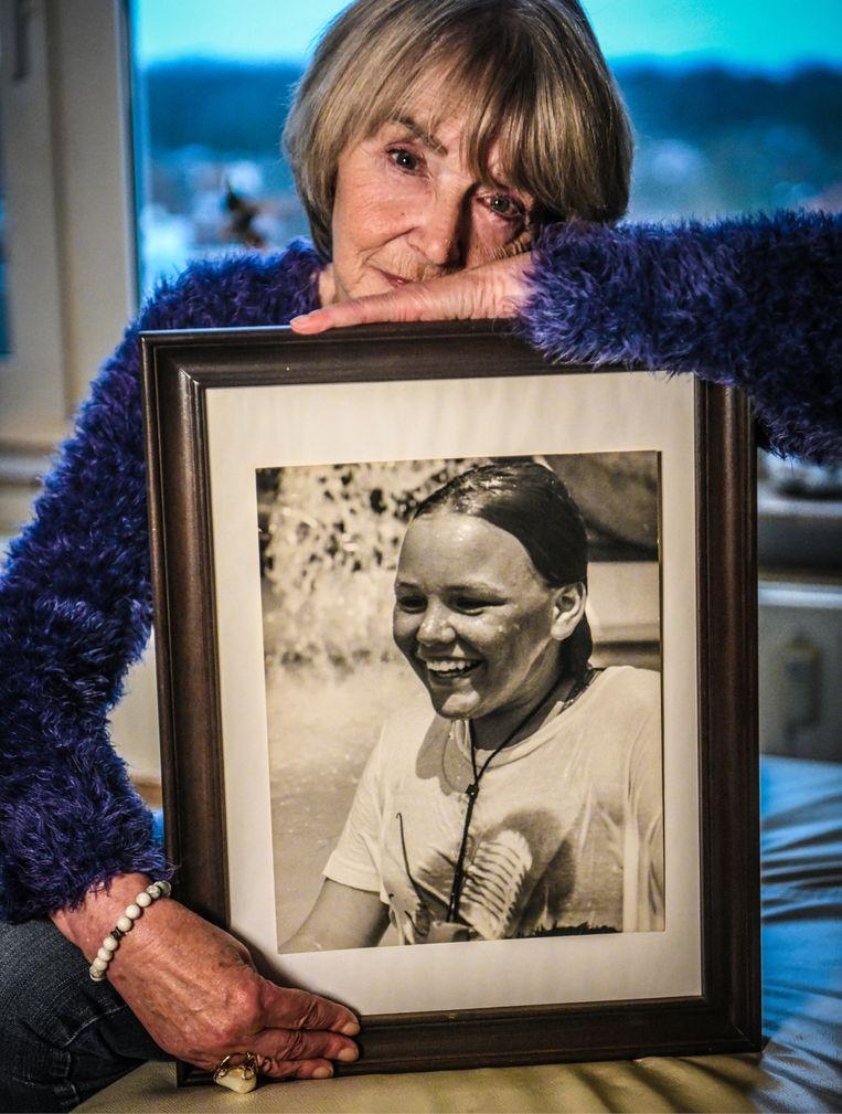 Lydia De Decker: 'Volgens mij denkt men nog altijd hetzelfde over Sally als toen ze net vermoord was: 't was maar een heroïnehoertje.' Beeld Koen Bauters