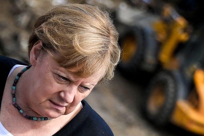 Angela Merkel dans le village sinistré de Schuld, dans le land de Rhénanie-Palatinat, ce dimanche.