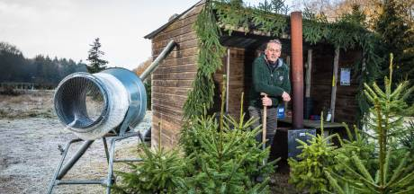 Albert stopt na 32 jaar met kerstbomenverkoop in Hattem