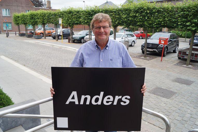Rik Debeaussaert richt zijn eigen partij 'Anders' op.