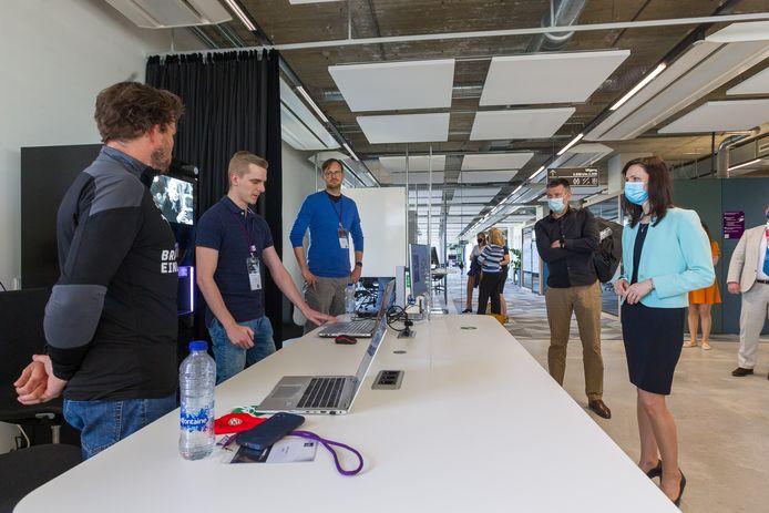 Bezoek van eurocommissaris Mariya Gabriel (Innovatie en jeugdzaken) aan het Fontys Lab.