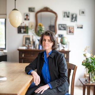Filosoof Tanny Dobbelaar: 'Wat is familie als je die niet kent?'