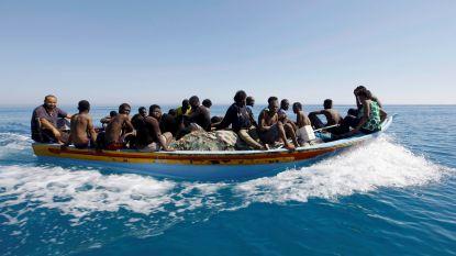 Italiaanse kustwacht redt zo'n 1.400 migranten uit Middellandse Zee