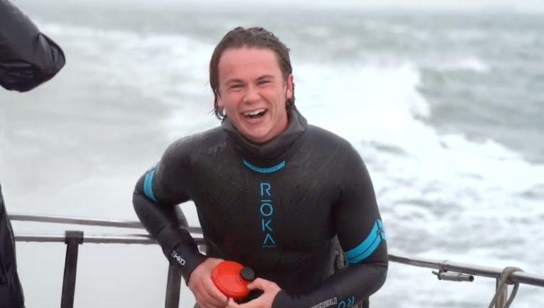 Jeroen Bosch nadat hij de zwemtocht afrondde. Beeld Jeroen Bosch