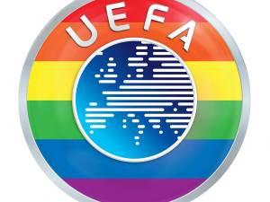 Sport, vooral EK en WK voetbal, is een geschikt middel om een groot publiek te bereiken met een ideële boodschap