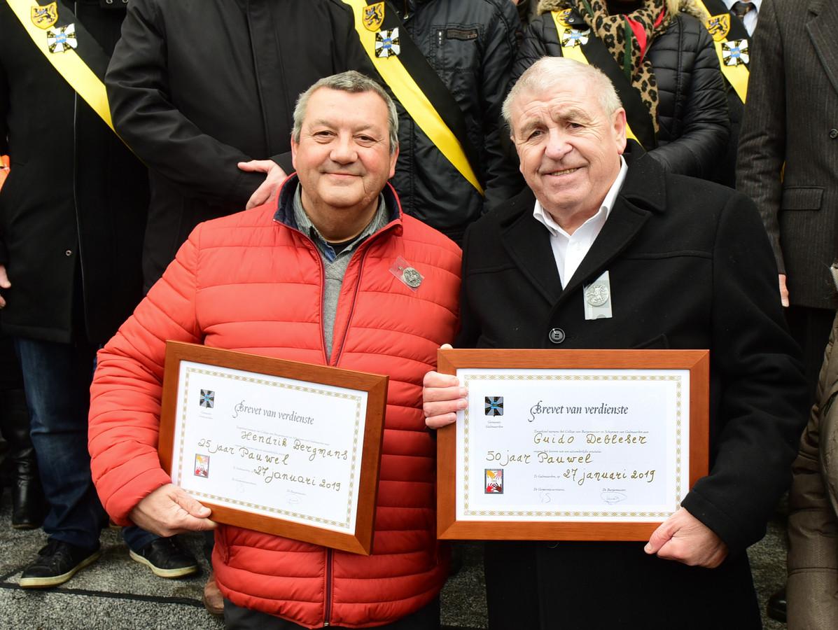Hendrik en Guido kregen een brevet van verdienste